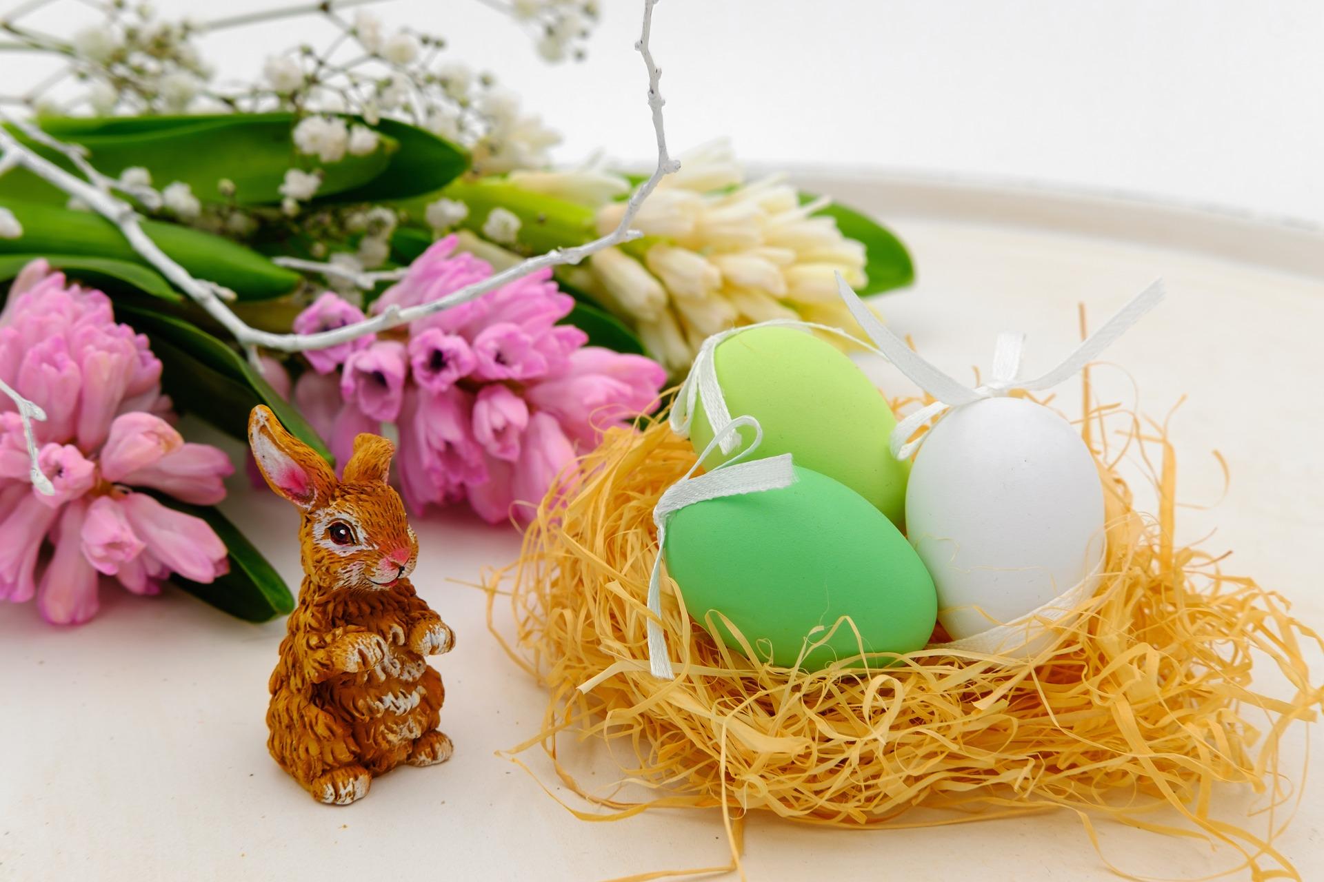 easter-eggs-3257098_1920.jpg